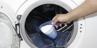 how to wash jeans in washing machine